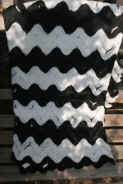 Black_and_white_fabric